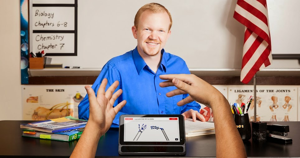 UNI: A Device That Converts Sign Language To Speech ...